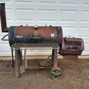 Smoker BBQ Grill Brinkman Wood Burning AWESOME for Sale in Hoquiam, WA