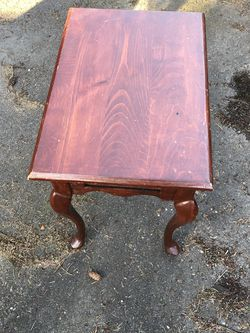 Side Table Wood $20 for Sale in Lakewood,  WA