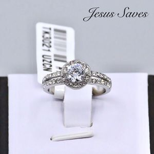 TK3021 Stainless Steel Halo Ring Size 7 only for Sale in Fresno, CA