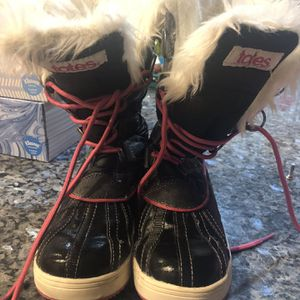 Girls Snow Boots Size 1 for Sale in Las Vegas, NV
