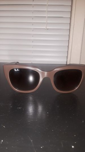 Ray-Bans Women's Authentic !! for Sale in Tacoma, WA