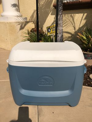 Cooler like New in excellent condition for Sale in Encinitas, CA