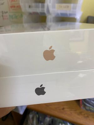 7TH GEN IPAD 32GB BRAND NEW CELLULAR AND WIFI for Sale in Garland, TX