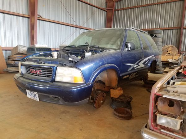 2000 GMC Jimmy/S10 Blazer FOR PARTS 2Dr