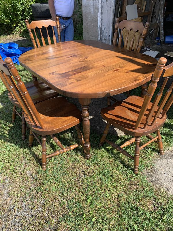 Kitchen table with 5 chairs