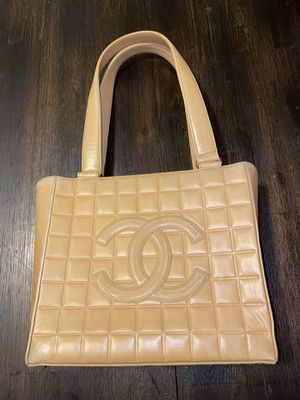Authentic ❤️Chanel Leather Tote for Sale in Chula Vista, CA