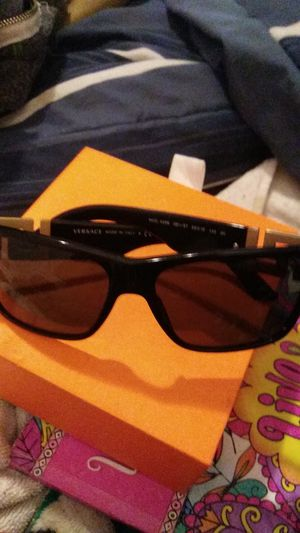 Versace women's sunglasses for Sale in Wichita, KS