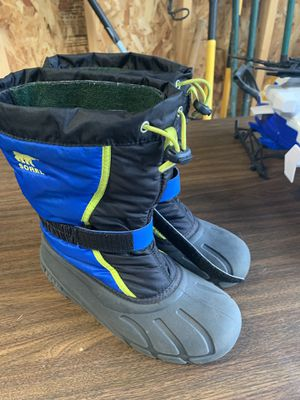 Sorel kids snow boots size 6 for Sale in Fox River Grove, IL