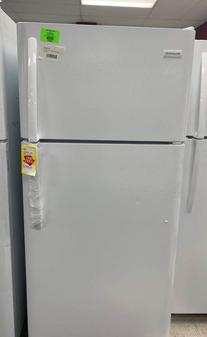 Frigidaire Refrigerator!! Comes with Warranty! QTRNE for Sale in Houston, TX