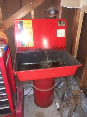 Safety Kleen parts washer cabinet for Sale in Chagrin Falls, OH