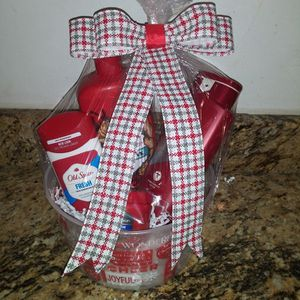 Old Spice gift basket for Sale in Fort Myers, FL