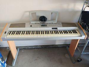 Keyboard table for Sale in Bakersfield, CA