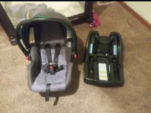 Graco car seat, base and stroller for Sale in Phoenix, AZ