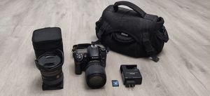 Nikon D7000 Camera with a Wide Lens for Sale in Riverview, FL
