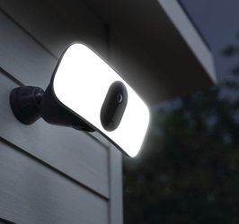 """Arlo Pro 3 Floodlighting Camera """"Sealed"""" for Sale in Spring Valley,  CA"""
