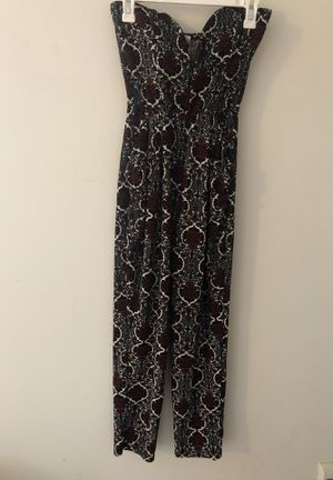 Black and red patterned jumpsuit for Sale in Baltimore, MD