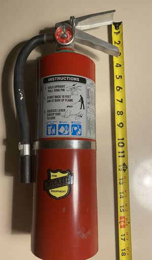 Buckeye multipurpose dry chemical Commercial grade ABC charged fire extinguisher model 5hi sa40 5lbs home, RV camper or Office for Sale in Oakland Park, FL