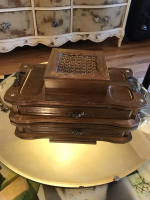 Vintage jewelry box for Sale in Modesto, CA