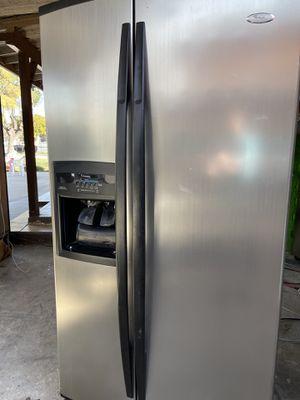 Refrigerador for Sale in Fresno, CA