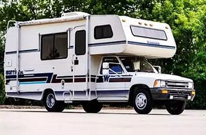 winnebago warrior 1992 28 ft white for Sale in Bend, OR
