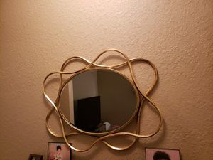 Gold wall decor mirror for Sale in Lake Worth, FL
