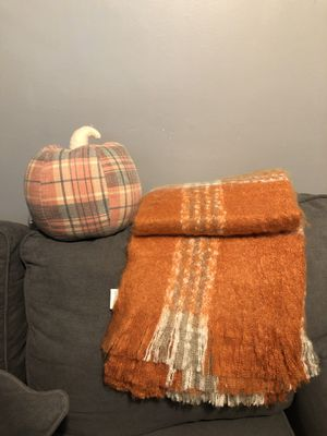 Storehouse throw and pumpkin for Sale in Lynwood, CA