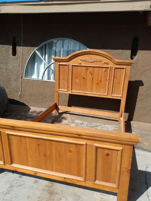 Awesome Queen Bed Frame Headboard and Footboard for Sale in Lincoln Acres, CA