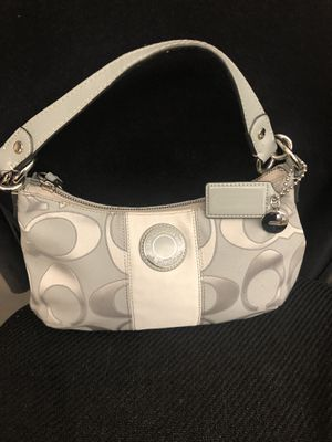 Coach purse with removable crossbody strap for Sale in Roanoke, VA