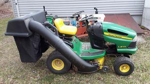 John Deere LA105 lawn tractor for Sale in Tiverton, RI