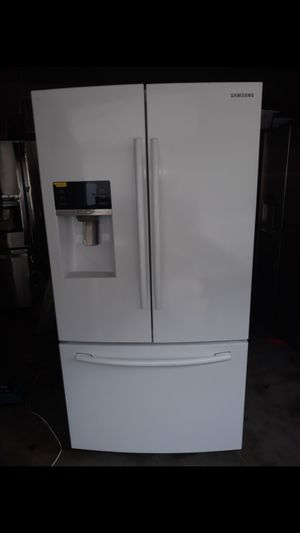 2015 Samsung Refrigerator for Sale in Garden Grove, CA