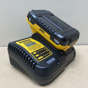 New! 20-Volt MAX Lithium-Ion 4.0 Ah Compact Battery Pack With Charger for Sale in Hayward, CA