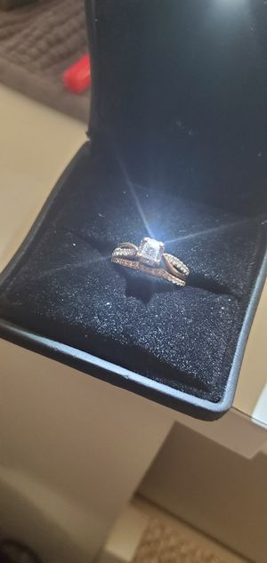 1 Kt-18k Beautiful Engagement Set Jared's for Sale in Florissant, MO