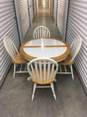 Kitchen Table & 6 Chairs for Sale in Goodlettsville, TN