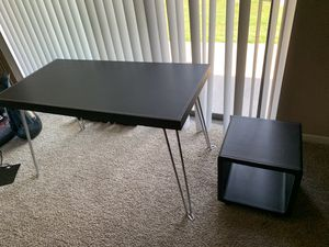 4 Foot Black Desk for Sale in Willow Springs, IL