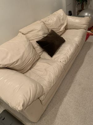 Leather Couch 3 Seats Eggshell/Off-White for Sale in Chicago, IL