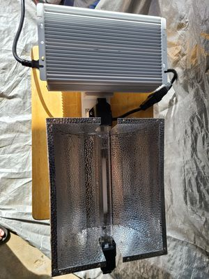 Double Ended, 1000w Hps Grow Light, Dimable ElectronicBallast and Reflective Hood, With Bulb for Sale in Toledo, OH