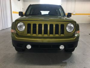 2012 Jeep Patriot FWD Latitude GREEN for Sale in Cleveland, OH