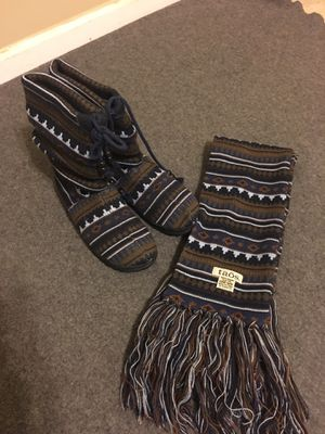 Taos Cabin Slouch Boots and Scarf for Sale in Raleigh, NC