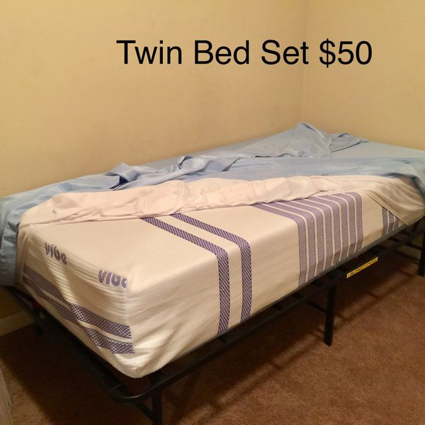 Twin and Queen Bed Set , Like New
