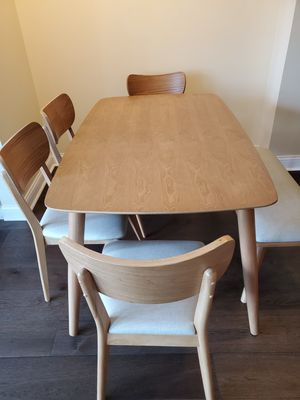 Dining set with bench for Sale in Chicago, IL