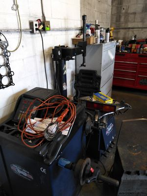 Eagle tires changer and balance machine for Sale in Alameda, CA