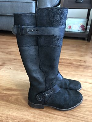 UGG boots, black, warm , size 7 for Sale in Alexandria, VA