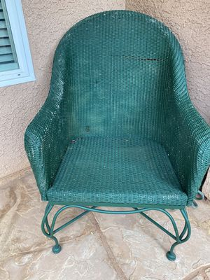 Large Vintage wicker chair for Sale in Henderson, NV