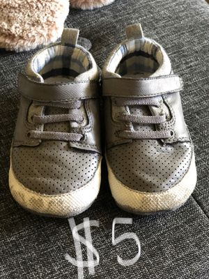 Baby toddler shoes crib shoes stride rite great for learning how to walk size 4 for Sale in San Dimas, CA