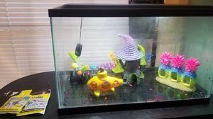 10 gallon aquarium w/ stand for Sale in Union City, GA