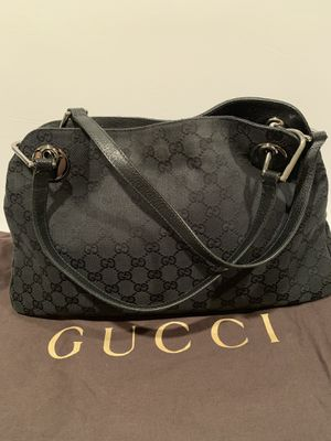 💯auth Gucci GG canvas large Black Shoulder bag for Sale in La Jolla, CA