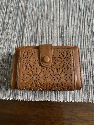 Small camel brown flower wallet for Sale in Fort Worth, TX