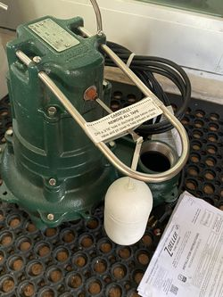 NEW Zoeller 267-0006 M267-25 2-inch Sump Pump with 25 foot cord, 1/2 Horsepower for Sale in Miami,  FL