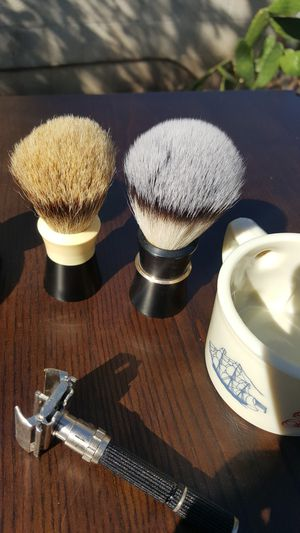Vintage Gillete razor, Vintage Ever Ready shaving brushes and Vintage Old Spice shaving cup in excellent condition for Sale in Hawthorne, CA