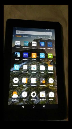 Cracked) Amazon Fire tablet 8gb (works fine for Sale in Lithonia, GA